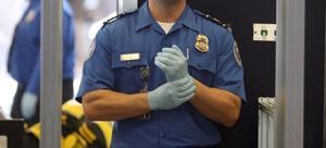 US TSA agent